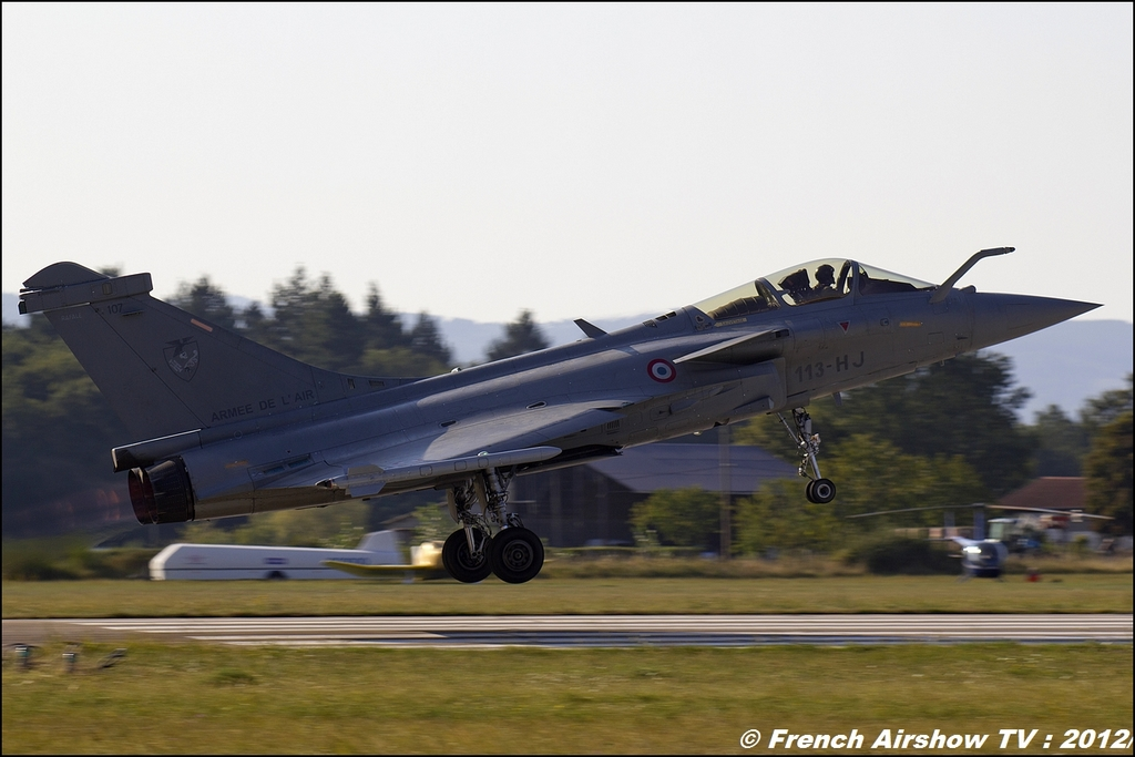 RAFALE SOLO DISPLAY Meeting Aerien Roanne 2012